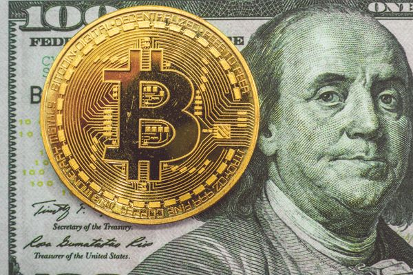 Can bitcoin compete with the dollar?
